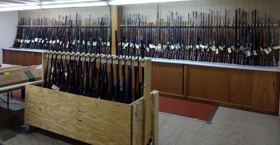 Gun & Vintage Sporting Goods Antique Americana