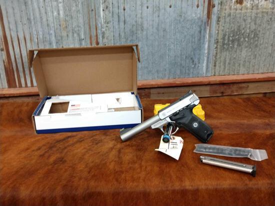 Smith & Wesson Model SW22 Victory .22 Semi Auto Pistol