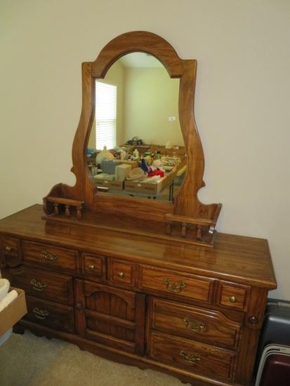 Dresser w mirror & Headboard