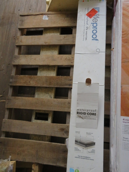 2 Boxes Lifeprooof Burleson Pine LVP