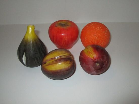 Lot - Stone Fruit