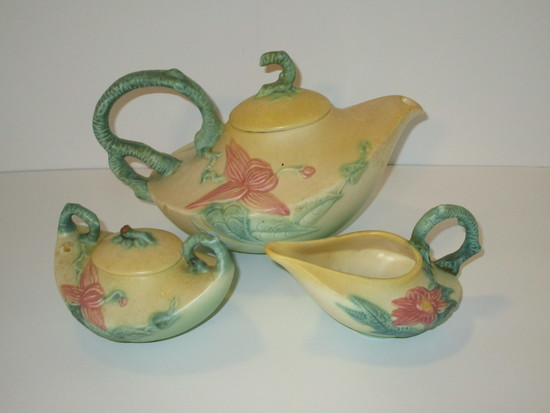 "Hull ""Woodland"" Tea Pot , Cream & Sugar.  Matte Glaze."