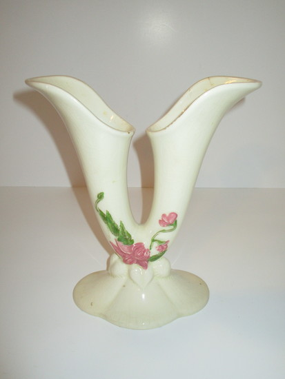 Hull Double Finger Vase   Slight crack