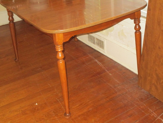 Dining Table w/ Laminate Top & 2 Leaves