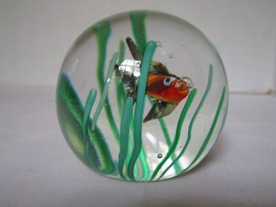 Art Glass Paperweight Fish Scene w/ House of Glass Original Label