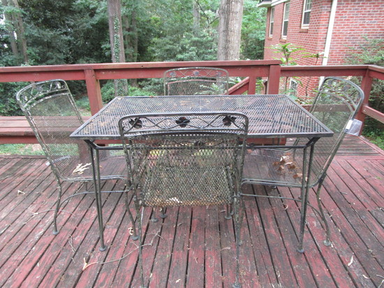 "Wrought Iron Patio Table w/4 Chairs - Table Approx. 29 1/2"" x 48"" x 30"""