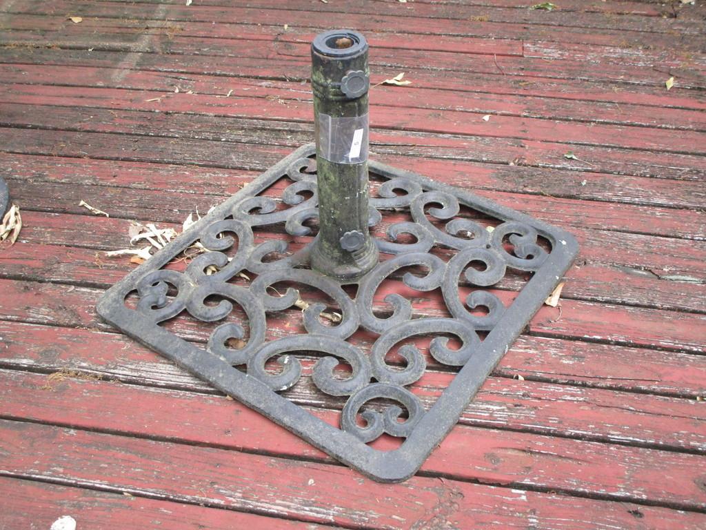 Decorative Iron Umbrella Case