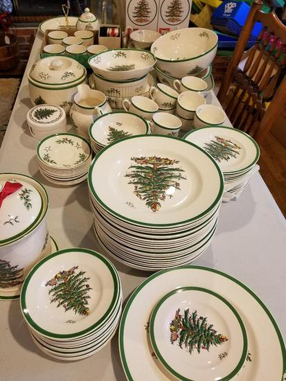 Estate Auction 10 of 15 - Christmas Galore  #1131