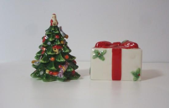 """Spode """"Christmas Tree"""" - Salt & Pepper Shakers"""