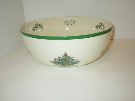 "Spode ""Christmas Tree"" - 9"" Round Bowl"