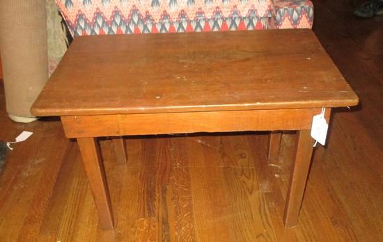 "Farmhouse One Board Wood Coffee Table    17 1/2"" T x 27 5/8"" W x 17"" D"