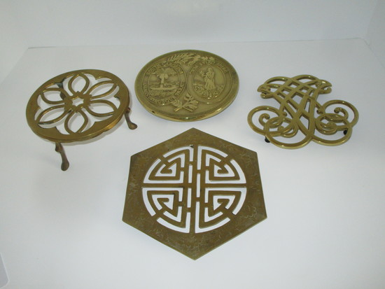 4 Brass Trivets - SC STATE SEAL & Williamsburg & 1 Footed.  See pictures