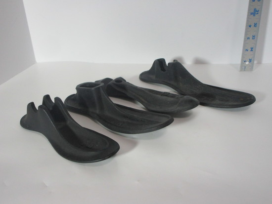 Lot - 4 Early Cast Iron Show Last For Adults.  Marks:  (1) 3, (1) 3698E, (1) 2WEN, &