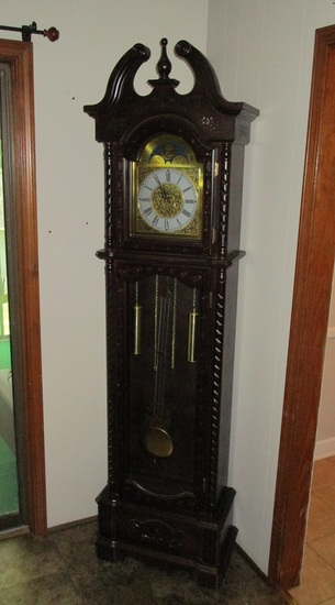 Coaster Furniture Grandfather Clock w/Pendulum.  Some Very Minor Scuff Marks