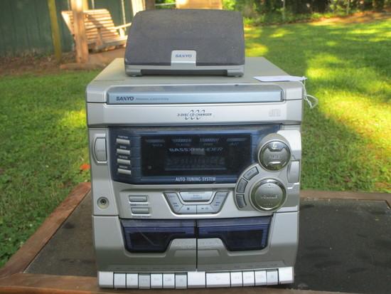 Sanyo AM/FM Radio w/3 Disc Changer & Dual Cassette.  Working Condition Unknown
