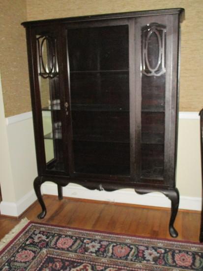 Vintage Mahogany China Cabinet   1 Glass Panel Door with Key