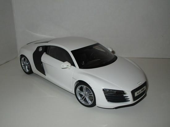 Audi R8 1:18 Scale Original Die Cast Model by Kyosho, w/Original Box