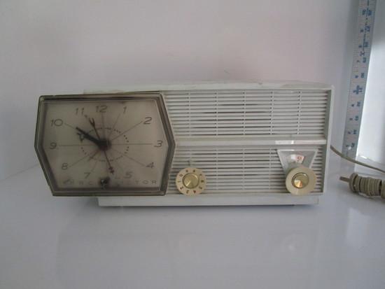 Vintage RCA Victor Clock Radio w/Partial Paper Label