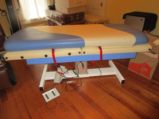 Power Lift Massage Table w/ Esthetician Top