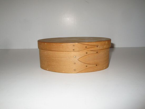 Small Wooden Shaker Box hand made by CANTERBURY Woodworks, Boscawen, NH