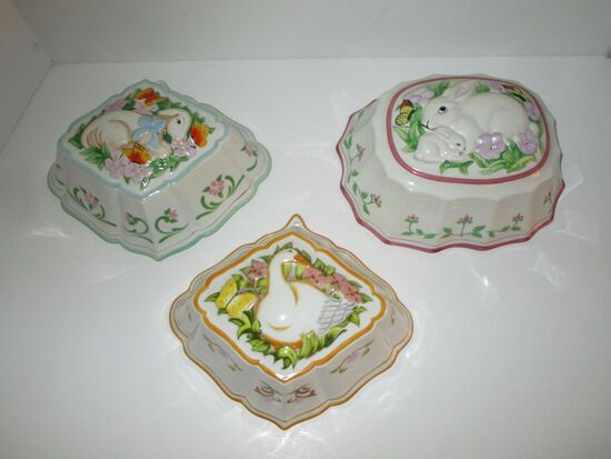 """3 Porcelain Molds w/ Animals in Relief - 1986 Franklin Mint """" Le Cordon Blue"""" Collection"""