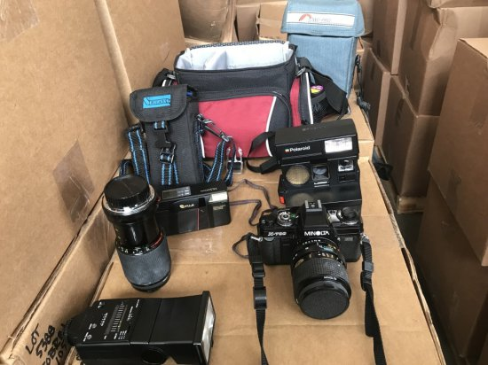 Minolta X-700 35 MM Camera