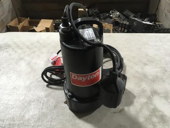 Dayton 3BB77 Submersible Pump
