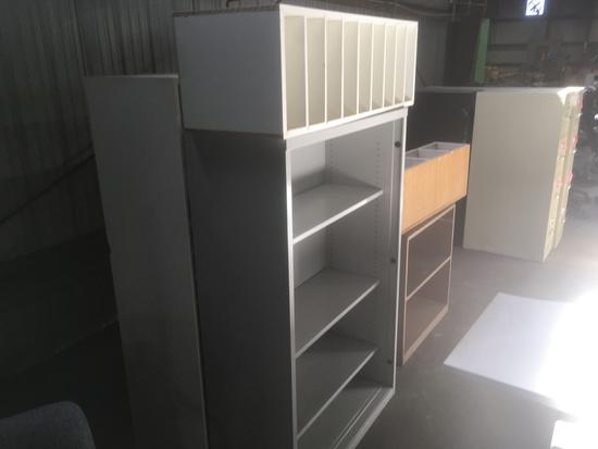 Shelf Units, Qty.  5