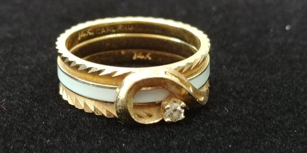 14 kt, y/g four (4) band insert, 2 blue and 2 pink with .05 ct. (chipped) full cut diamond. Size 7
