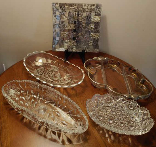 5 glass serving pieces