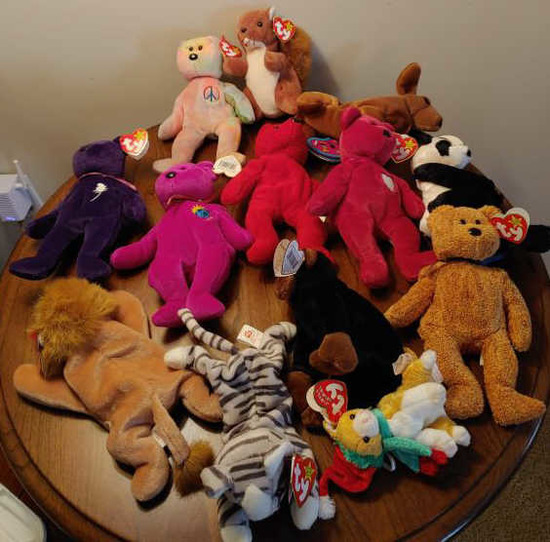 13 beanie babies in container