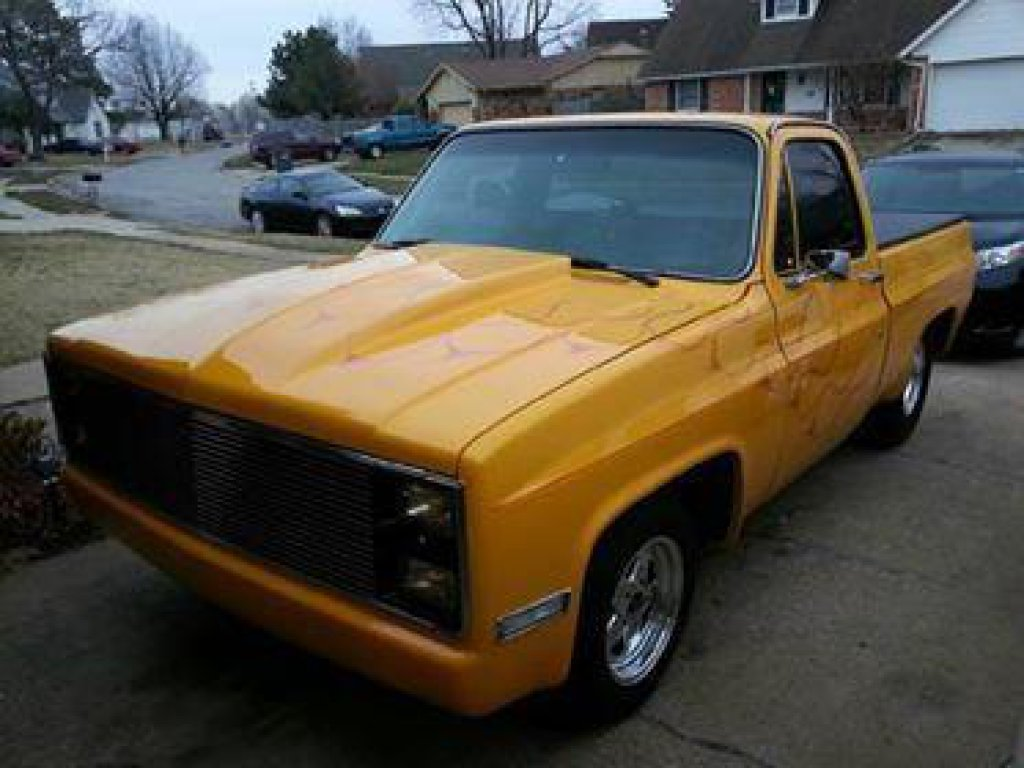 1986 Cheverolet C10 short wide pick up truck