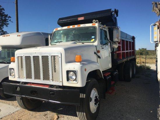 1997 International 2574 T/A Dump Truck