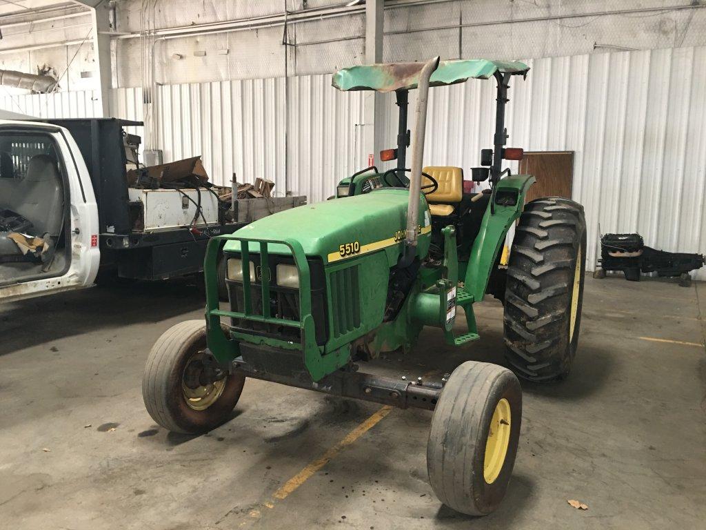 2000 John Deere 5510 2WD Tractor