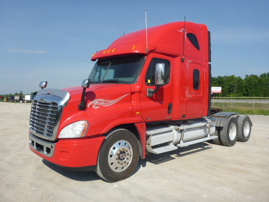 2011 Freightliner CA125SLP Cascadia T A Hiway Tractor
