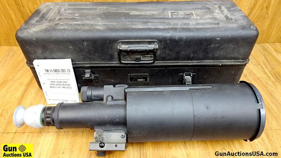 U.S. Army STARLIGHT COLLECTOR'S Scope. Very Good. AN TVS2B STARLIGHT Vision Scope In Transit Chest.