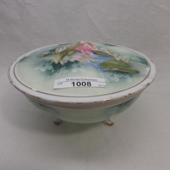"RS Prussia 7"" ft'd covered box w/ pond lily decor"