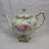 UM RS Prussia floral teapot w small roses