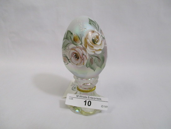 Fenton HP egg on stand