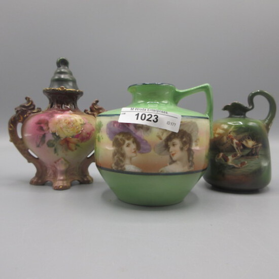 3 pcs Royal Bayreuth, 2 jugs and lidded floral vase