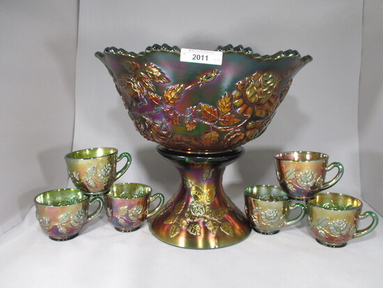 Fenton green Wreath of Roses 8pc punch set w/ vintage int. Nice color