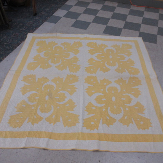 Vintage hand quilted applique quilt-Yellow