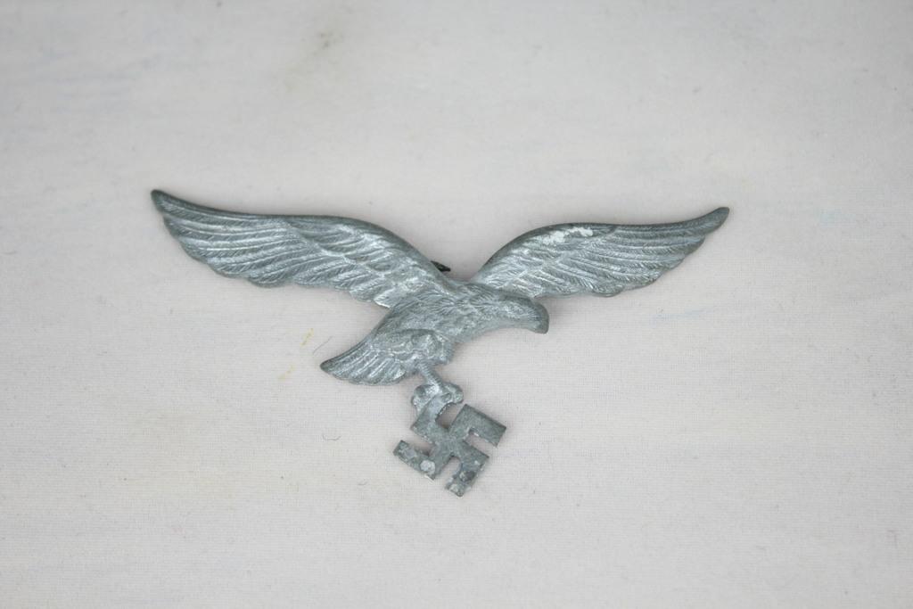 Lot: Vintage Nazi Eagle Hat Badge   Proxibid Auctions