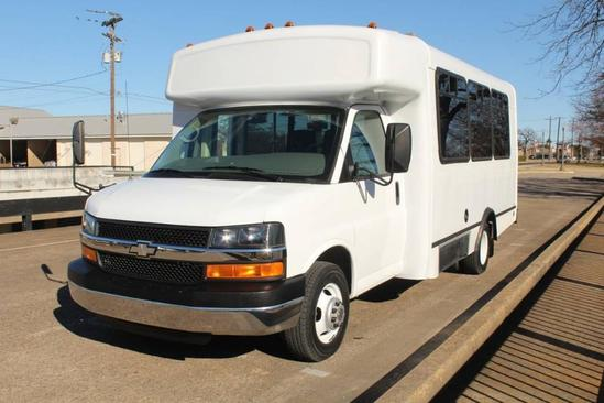 2008 Chevrolet Express 3500 15 Passenger Bus