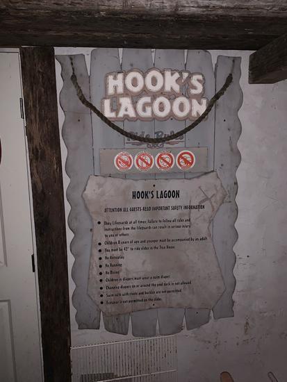 Hook's Lagoon Sign