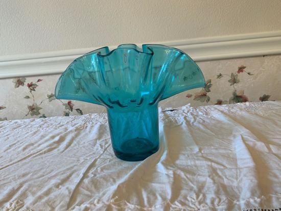 Blown glass flower vase