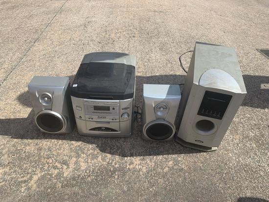 Home stereo with speakers