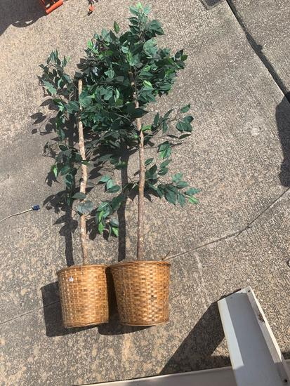 Pair of artificial trees