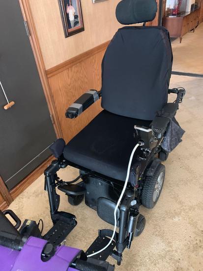 iLevel Q6 Edge 2.0 Power Wheelchair with dual controls
