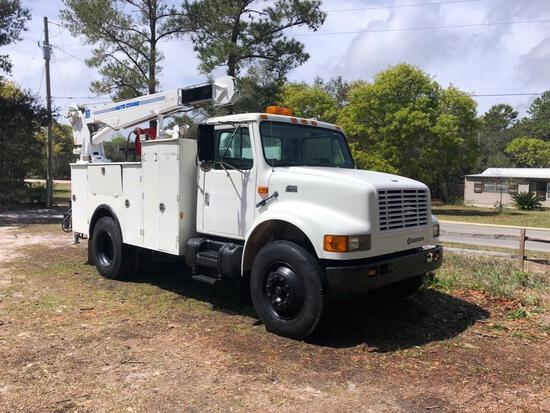 2000 International 4700 Mobile Welding Truck